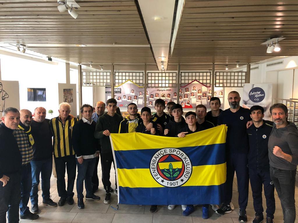 Ankunft unserer Boxmannschaft in Heidelberg